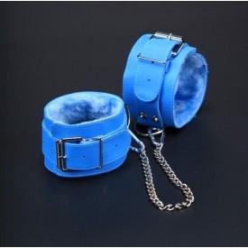 Голубые оковы на ноги с мехом внутри